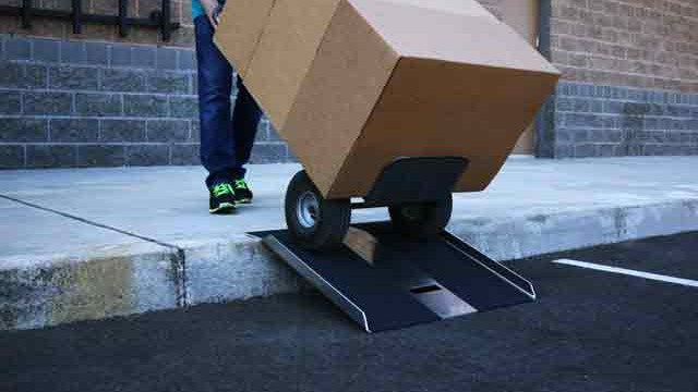 Traverse Portable Curb Plate